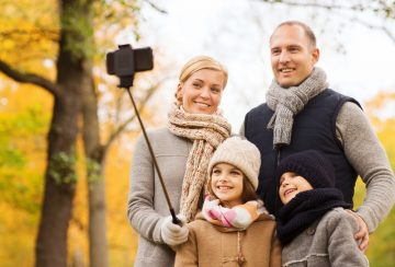 family-photo-selfie-stick-backup-google-sharing